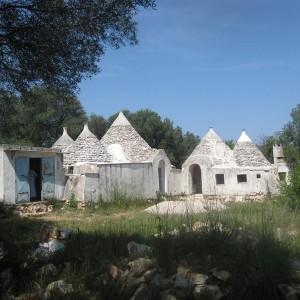 Trullo and land for sale Ostuni
