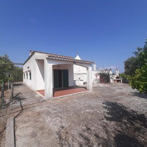 trullo and villa for sale in puglia